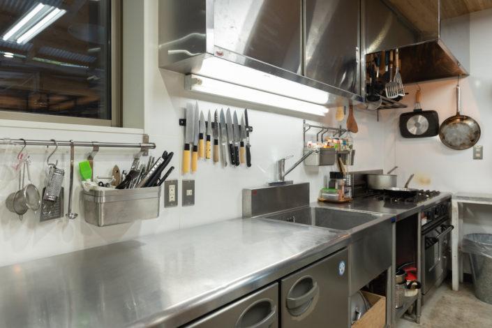 プロ用機材のあるキッチン
