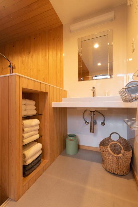 バスルームに洗面所がついています。